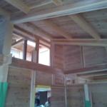 工事中でも室内空間は木の香りで満ちています〜!
