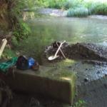 台風通過後に水路の復旧作業しました。