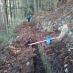 田んぼの水路清掃をしました。