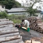 薪割りは乾燥促進に大切な作業です