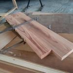 お部屋の棚板を加工・製作しています。
