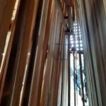 杉板の立て掛け天然乾燥です。