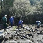 田んぼの水路清掃をしました